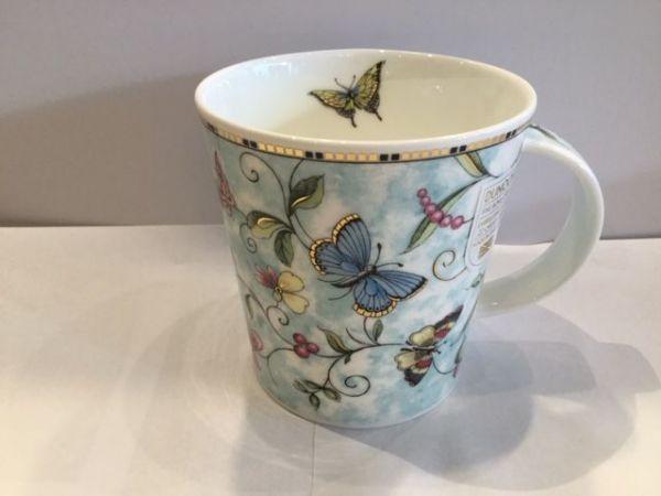 Porzellan Tasse (Schmetterlinge)
