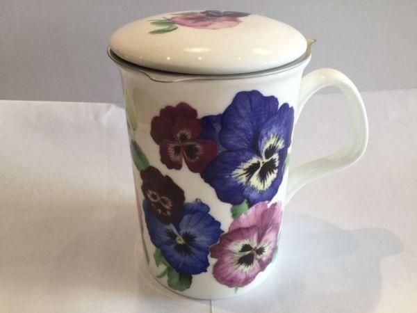 Porzellan Becher mit Edelstahl Filter und Porzellan (Blumen)
