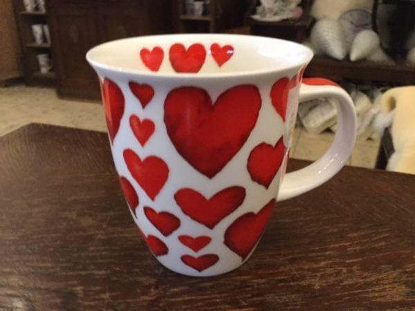 Modell Nevis (rote Herzen)