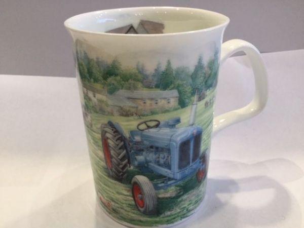 Porzellan Becher (Traktor grau 1)