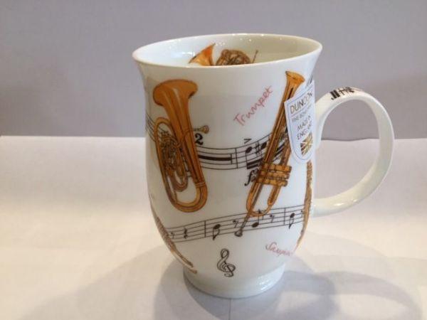 Porzellan Becher Modell Suffolk (Trompeten)