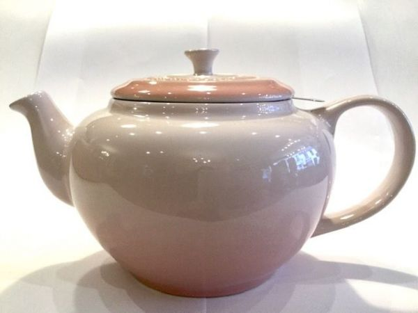 Le-Creuset-Teekanne-(rosa)