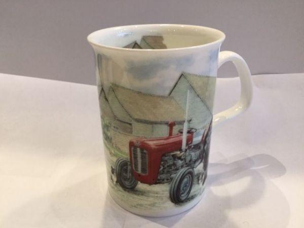 Porzellan Becher (Traktor rot)