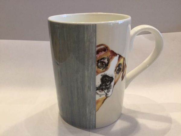 Porzellan Becher (DOG THROUGH THE DOOR LUCY MUG 2)