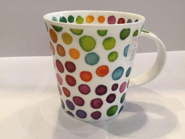 Porzellan Tasse (bunte punkte)