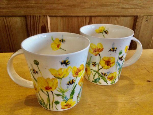 Porzellantasse Dunoon Cairngorm Busy Bees Gelbe Blumen