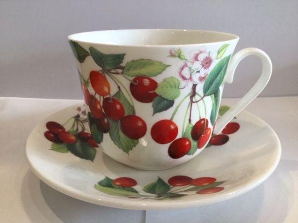 Jumbo Porzellan Tasse mit Untertasse (Kirsche)
