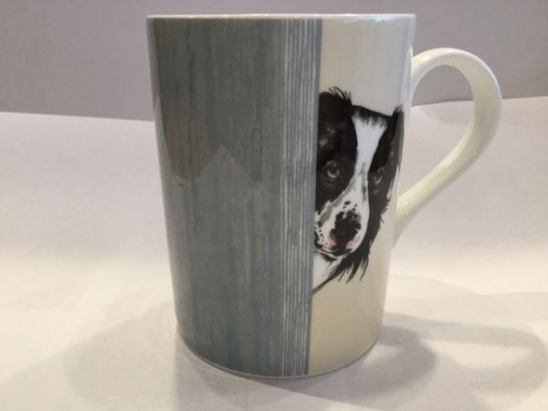 Porzellan Becher (DOG THROUGH THE DOOR LUCY MUG 1)
