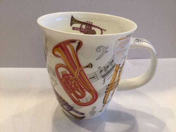 Porzellan Tassen Modell Nevis (Trompeten)