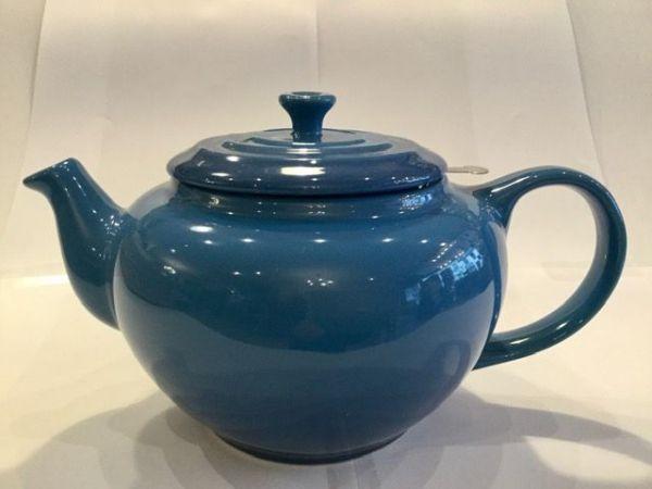 Le-Creuset-Teekanne-(blau)